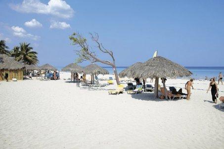 Dovolenka na Kube, na pláži a s drinkom v ruke