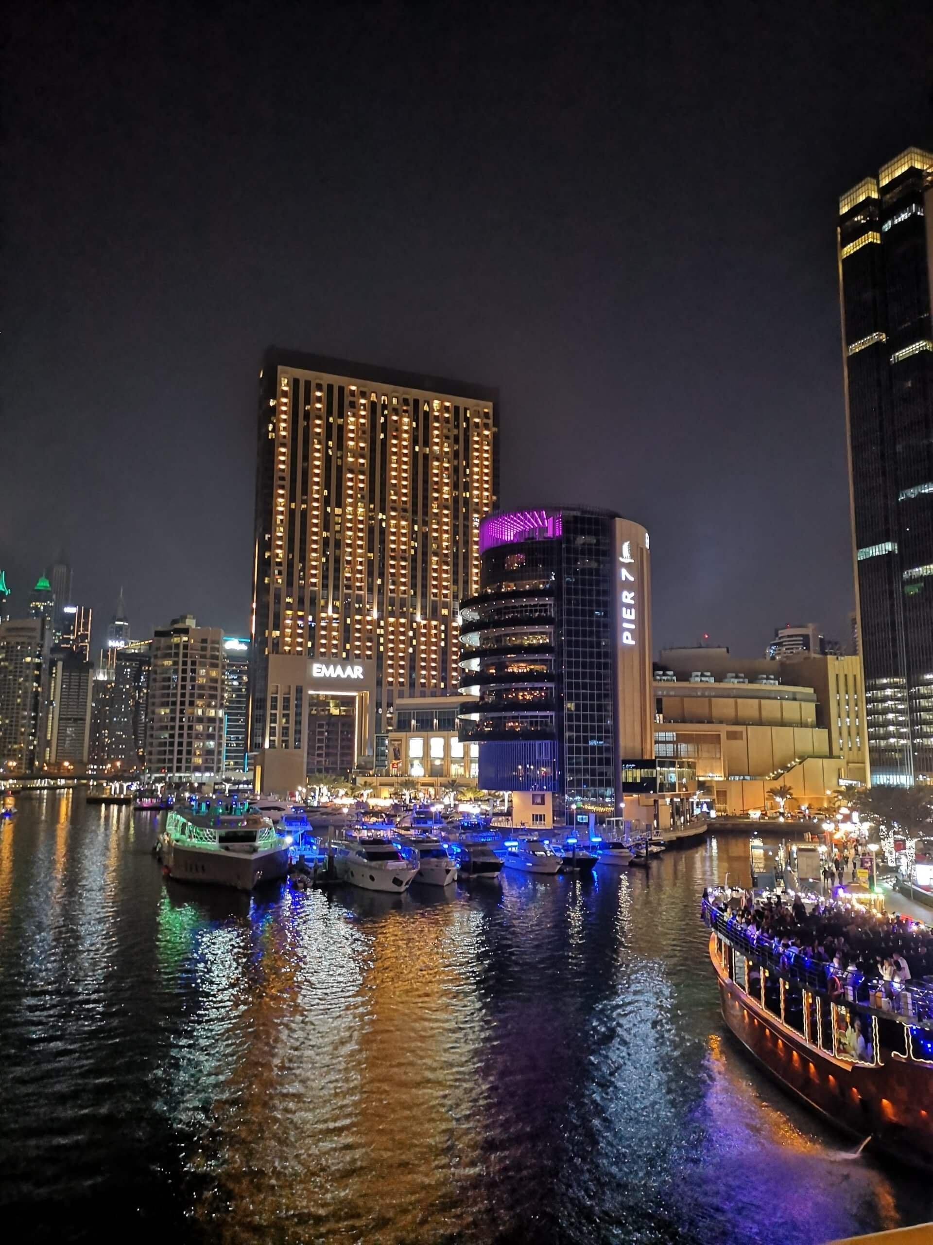 Dovolenka v  Dubaji: špičkové hotely a vôňa kvetín