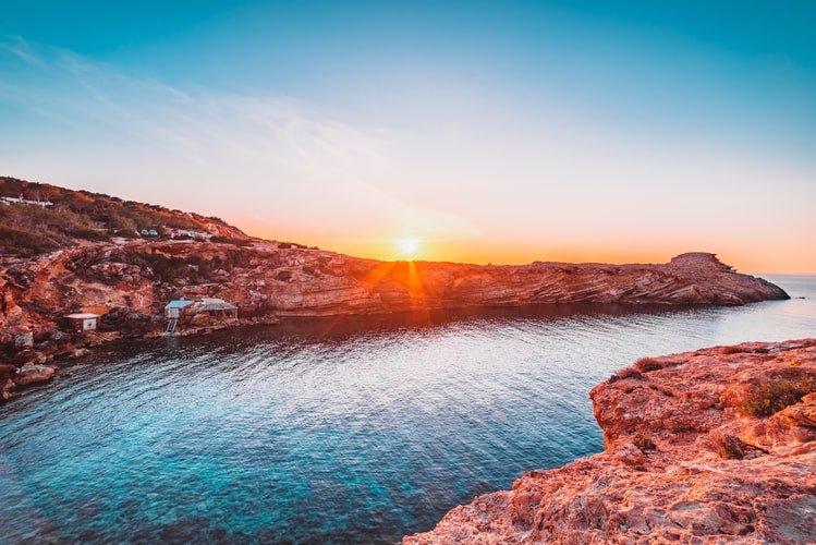 Ibiza - ostrov detí kvetov