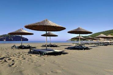 Turecko Kirman Hotels Leodikya Resort plážové dáždniky