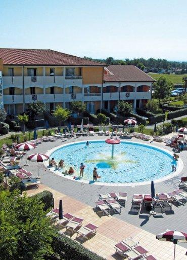 Benátky hotel Villagio Ai Pini výhľad na bazén
