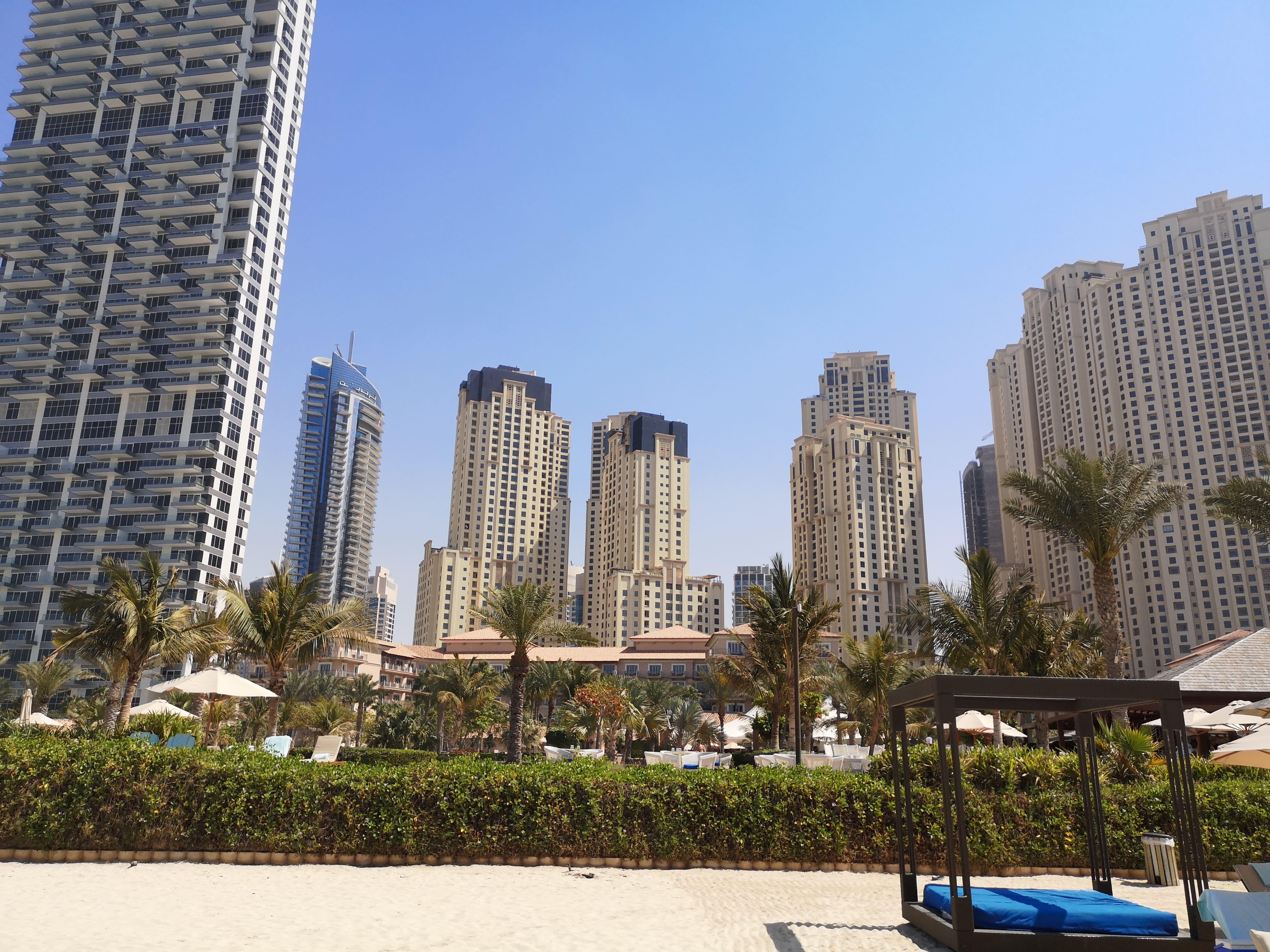 Dovolenka Dubaj pláž hotela Ritz-Carlton